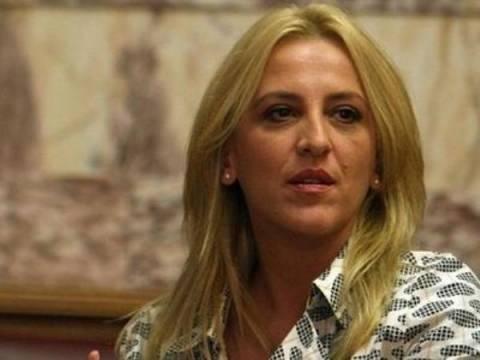 Δούρου: Η Ελλάδα μετατράπηκε σε πειραματόζωο!