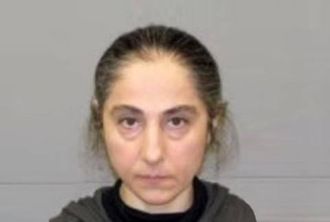 Κατηγορείται για κλοπή η μητέρα των βομβιστών