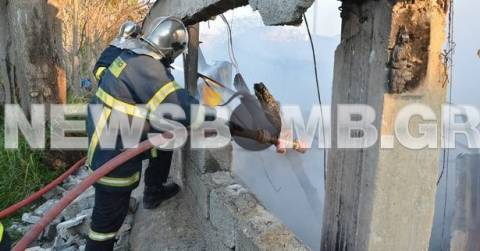ΦΩΤΟΡΕΠΟΡΤΑΖ: Πυρκαγιά σε βιοτεχνία στο Βοτανικό (pics+video)