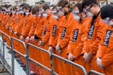 Μαζική απεργία πεινάς σε φυλακές στο Γκουαντάναμο