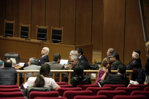 Δίκη Τσοχατζόπουλου: Διεκόπη για 1 ώρα-Έδιωξαν τους μάρτυρες