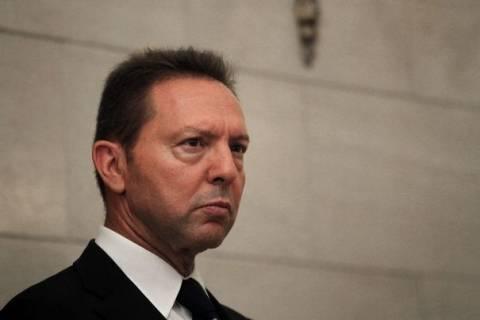 Πολιτικό «μασάζ» Στουρνάρα για το πολυνομοσχέδιο «Σκούπα»