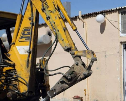 Κατεδάφισαν παράνομα κτίσματα στο Γκάζι