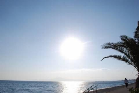 Στην παραλία ολοταχώς - Στους 31 βαθμούς ο υδράργυρος