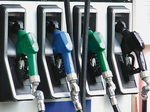 «Λουκέτο» σε 2.000 πρατήρια, σύμφωνα με τους βενζινοπώλες