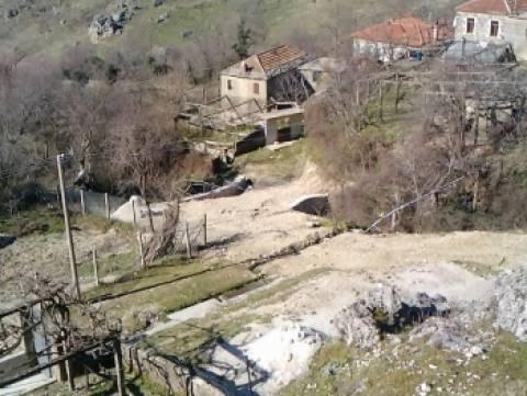 Οι Αλβανοί απογυμνώνουν περιουσιακά τους Βορειοηπειρώτες