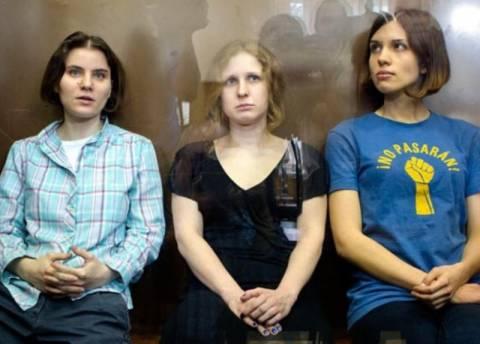 Αρνούνται να αποφυλακίσουν τις Pussy Riot