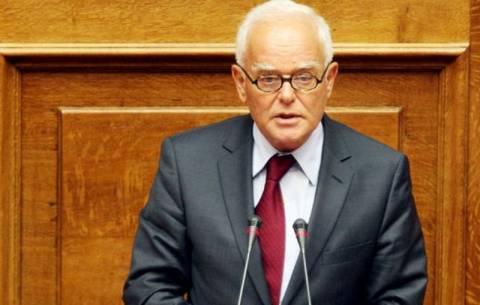 Μανιτάκης: Με τις 15.000 αποχωρήσεις αντιμετωπίζουμε την πελατοκρατία