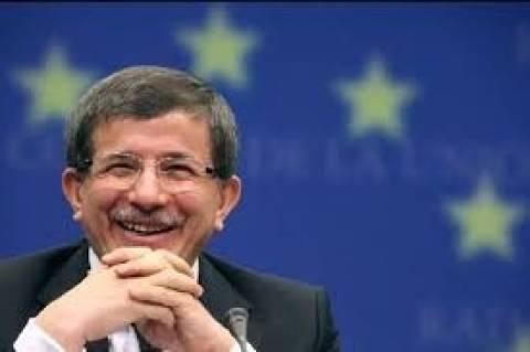 Συνάντηση Νταβούτογλου με Ειδικό Σύμβουλο ΟΗΕ για την Κύπρο