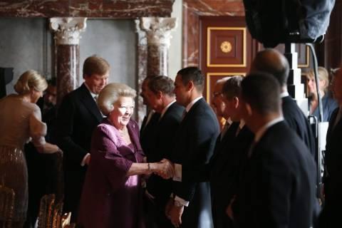 Ολλανδία: Η βασίλισσα Βεατρίκη παρέδωσε το θρόνο