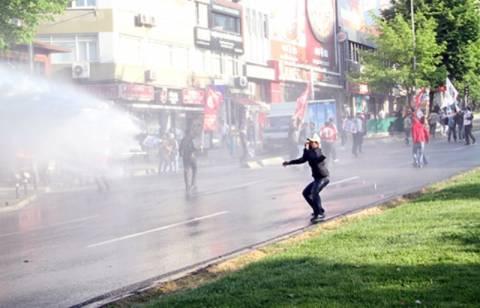Τουρκία: Επίθεση της αστυνομίας στις διαδηλώσεις της Πρωτομαγιάς