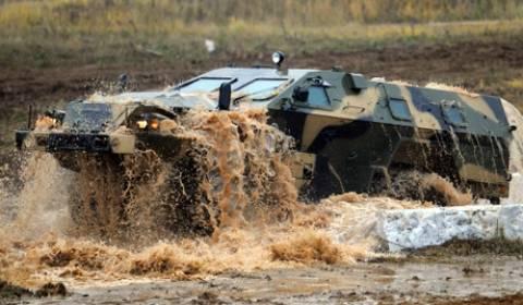 Τα Πυραυλικά Στρατεύματα της Ρωσίας παρέλαβαν νέα τεθωρακισμένα