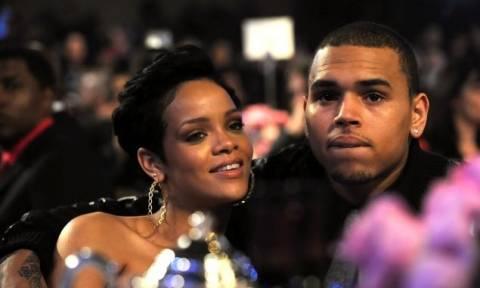 O πατέρας του Chris Brown δεν θέλει τη Rihanna για νύφη