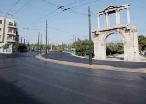 Άδειοι οι δρόμοι στην Αθήνα