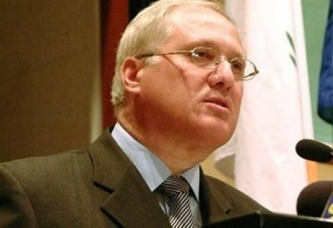 Καζαμίας: «Ο Χριστόφιας δεν είχε άλλη επιλογή για το ελληνικό χρέος»