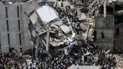 Δεν έχει τέλος η τραγωδία στο Μπαγκλαντές - Στους 1000 οι νεκροί!