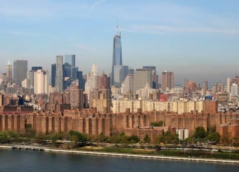 Ιστορική μέρα στις ΗΠΑ: Το Παγκόσμιο Κέντρο Εμπορίου υψώθηκε ξανά!