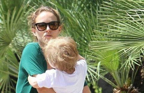 Natalie Portman: Δείτε την χωρίς ίχνος μακιγιάζ (photos)!