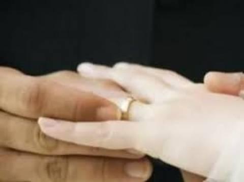 ΕΣΕΕ: Διατήρηση του επιδόματος γάμου έστω και μειωμένου