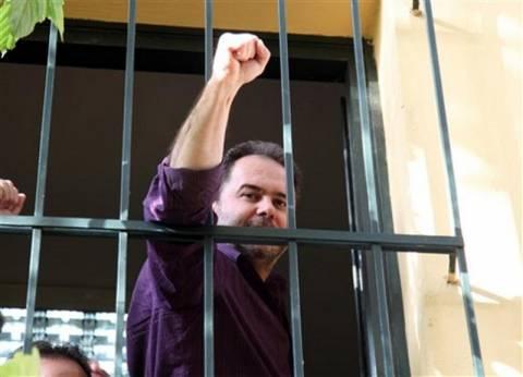 Κάνουν έρανο για να μη μπει φυλακή ο Φωτόπουλος