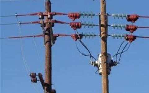 Iεράπετρα: Έκοβαν ξύλινες κολώνες της ΔΕΗ για να κλέψουν τα καλώδια