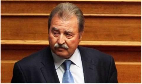 Τραγάκης: Μείωση της αποζημίωσης για τους απείθαρχους βουλευτές