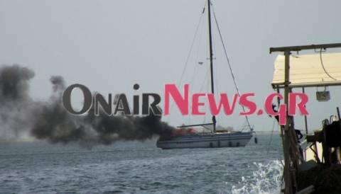 Μεσολόγγι: Φωτιά σε κότερο-Στη θάλασσα οι επιβάτες