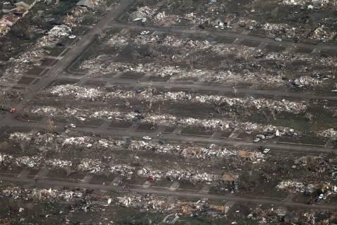 Ανυπολόγιστες οι ζημιές από τους ανεμοστρόβιλους στην Οκλαχόμα