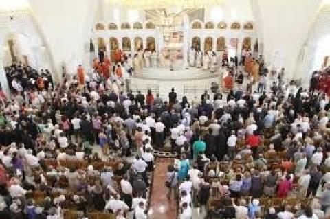 Οι Βορειοηπειρώτες βεβηλώνουν την Ορθόδοξη Εκκλησία της Αλβανίας...