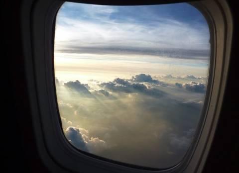 Τρόμος στον αέρα: Έσπασε το παράθυρο αεροσκάφους