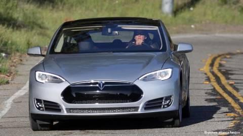 DW: Ηλεκτρικά αυτοκίνητα και μεγάλες προσδοκίες