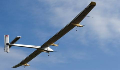 Το αεροσκάφος Solar Impulse κατέκτησε νέο ρεκόρ πτήσης