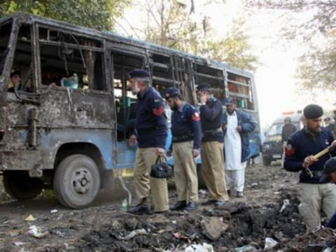 Τραγωδία: Μαθητές απανθρακώθηκαν σε σχολικό λεωφορείο