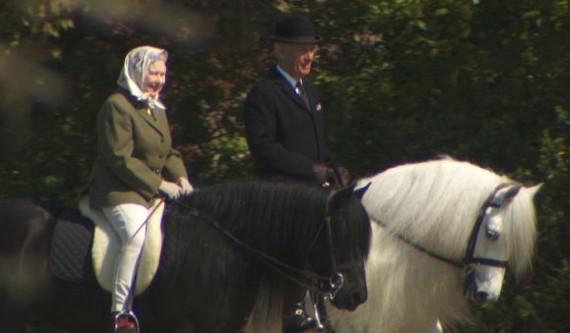 BBC: Η λατρεία της Βασίλισσας Ελισάβετ για τα άλογα