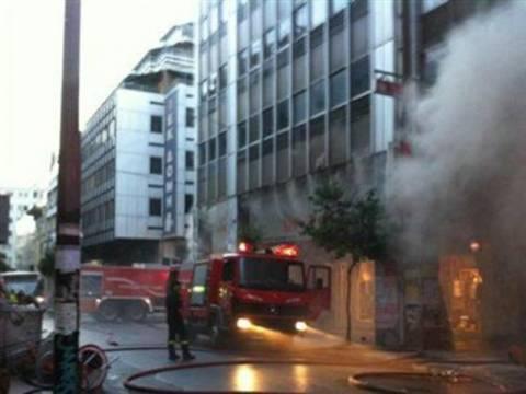 ΤΩΡΑ: Φωτιά σε σπίτι στα Καμίνια!