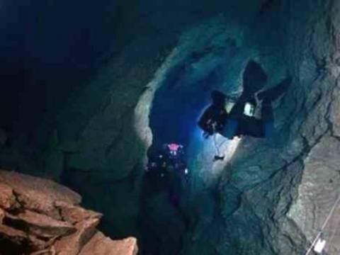 Επιχείρηση ανάσυρσης 25χρονου σπηλαιοδύτη στην Αρκαδία