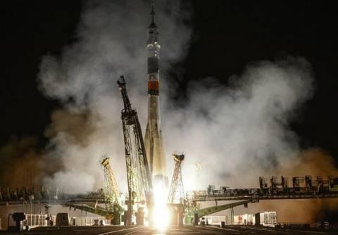 Βίντεο: Έφτασε στο Διεθνή Διαστημικό Σταθμό το διαστημόπλοιο Soyuz