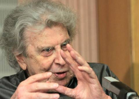 Ο Μίκης Θεοδωράκης εξελέγη επίτιμο μέλος της Ακαδημίας Αθηνών
