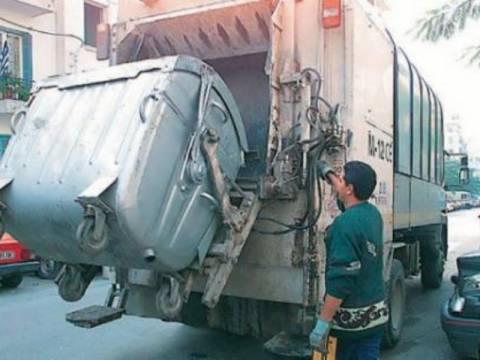 Απορριμματοφόρο συγκρούστηκε με φορτηγό -Ένας τραυματίας