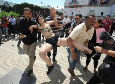 Με φυλάκιση κινδυνεύουν οι ακτιβίστριες Femen στην Τυνησία