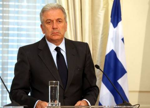 Για ΗΠΑ και Λονδίνο αναχωρεί αύριο ο Δ. Αβραμόπουλος