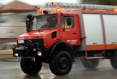 Μεγάλη φωτιά σε εργοστάσιο ανακυκλώσιμων στο Βόλο