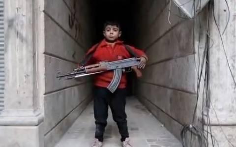 ΣΟΚ: Ισλαμιστές στρατολογούν ανήλικα παιδιά στη Συρία (βίντεο)