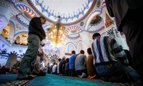 Μουσουλμάνος ιερωμένος κήρυξε τζιχάντ στη Συρία