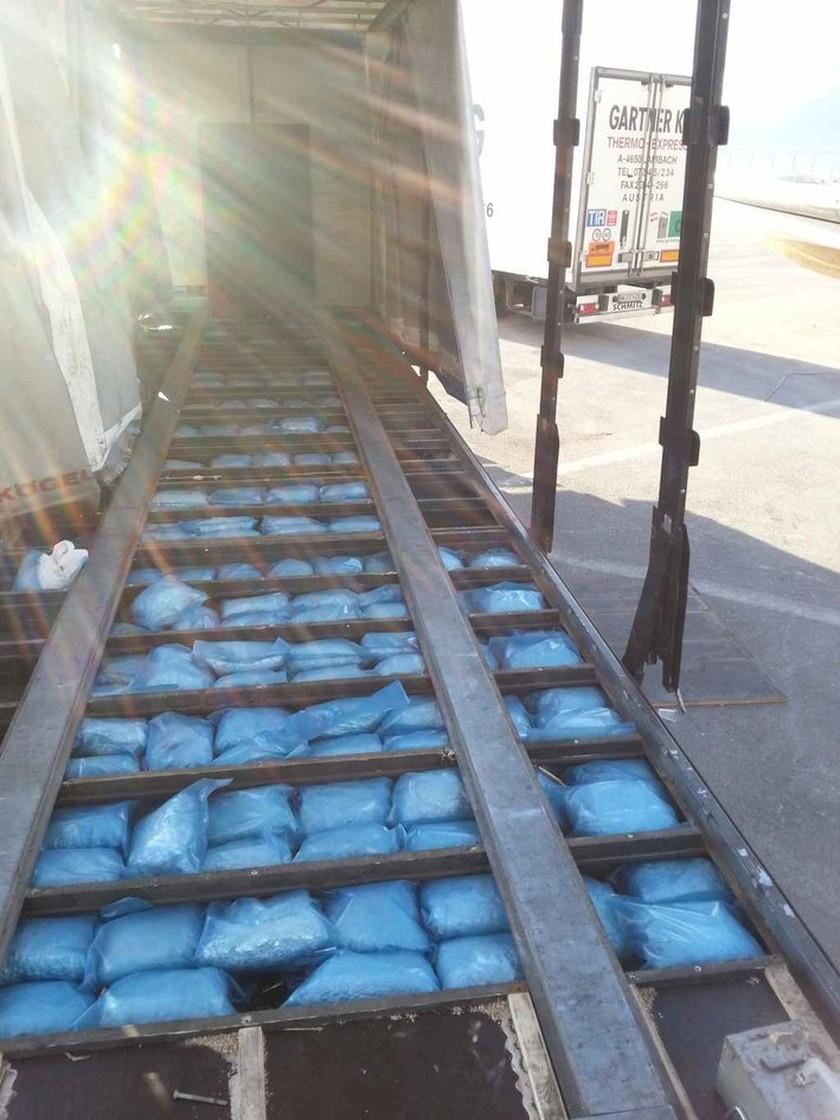 Μετέφερε με το φορτηγό 205 κιλά ναρκωτικών (pics)