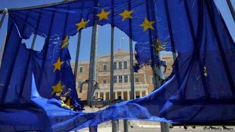 DW: Χάνεται ο ενθουσιασμός για την Ευρώπη;