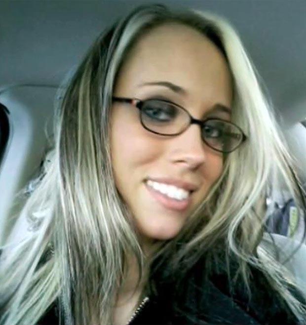 Αυτή η 21χρονη αποκαλεί... κατάρα την εμφάνισή της! (pics)