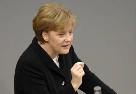 Μέρκελ: 100 εκατομμύρια ευρώ άμεσα για τους πλημμυροπαθείς