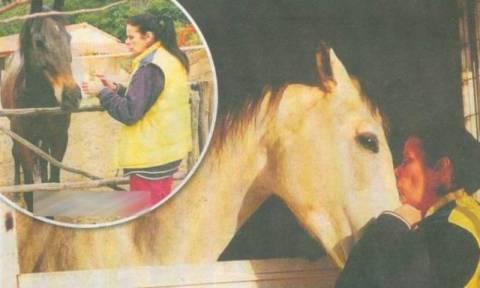 Η Έλενα Ναθαναήλ και η συνταρακτική ιστορία με το άλογό της