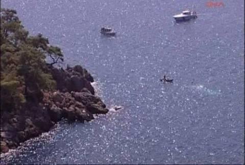 Εφιάλτης: Πάλευαν με τα κύματα τρεις ώρες ώσπου να πιάσουν στεριά